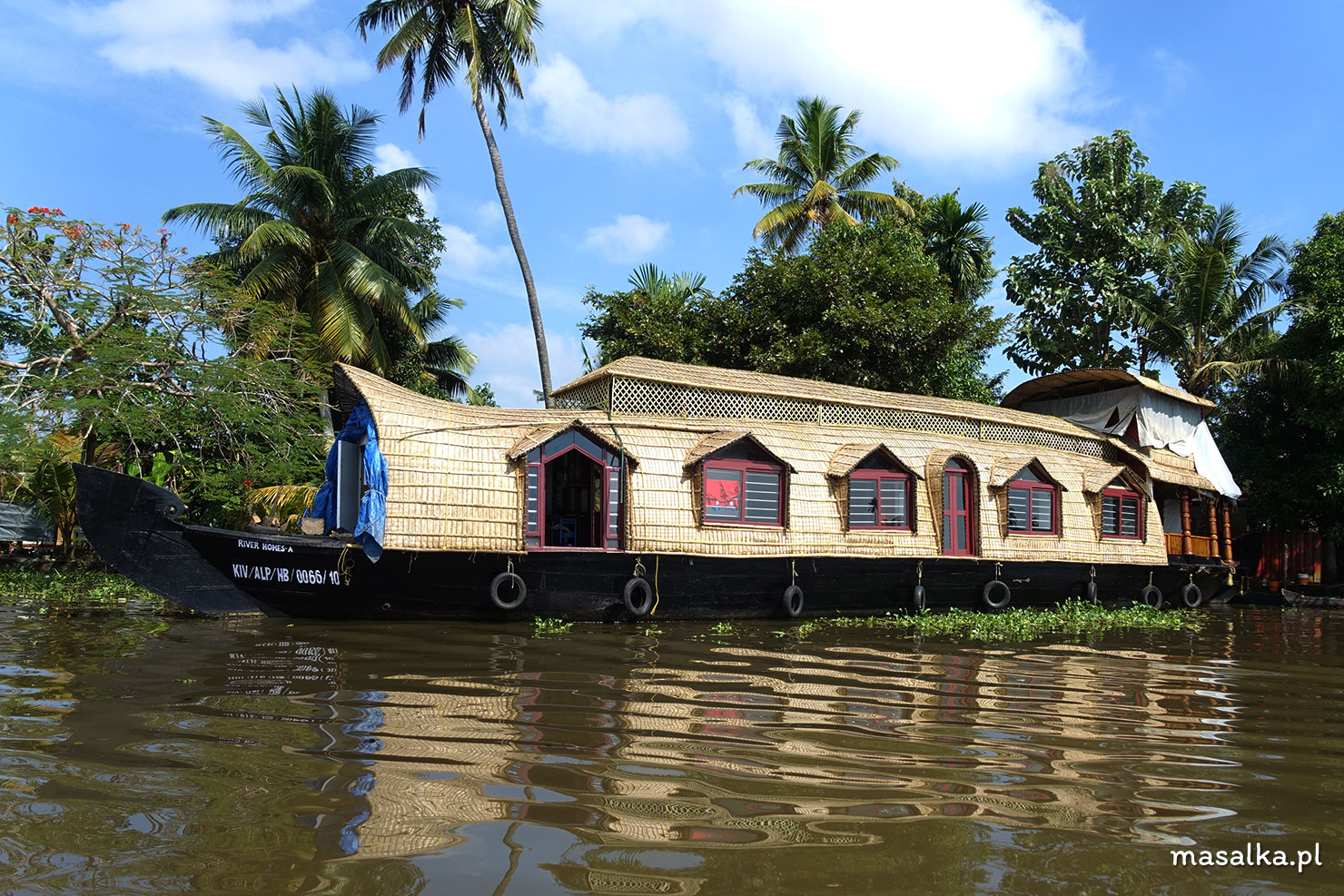 houseboat backwaters