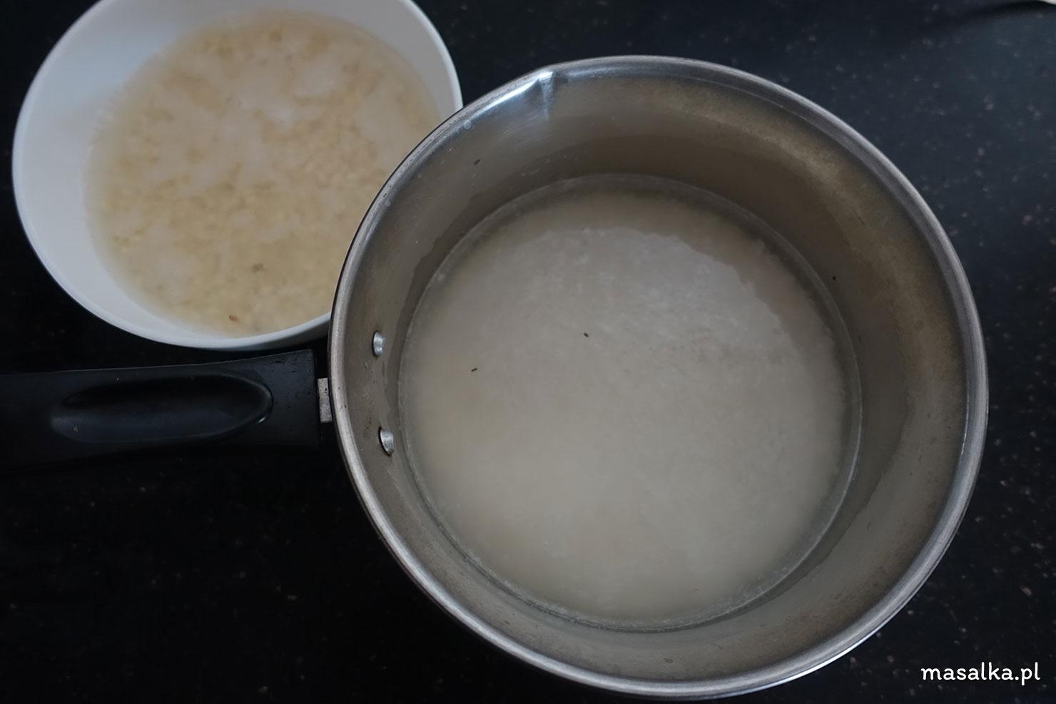 ryż i urad dhal namocz w wodzie