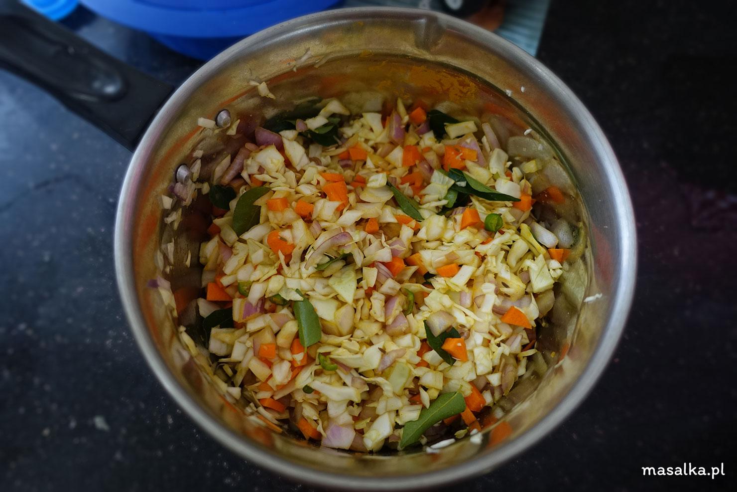 wymieszaj warzywa