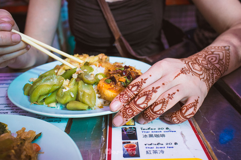 bangkok budżetowo street food