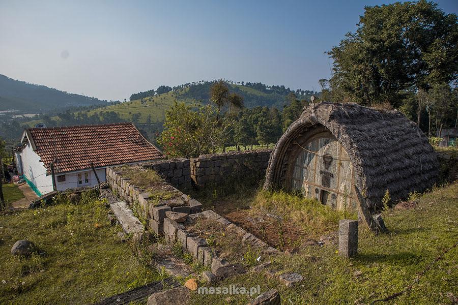 świątynia plemienia toda w górach nilgiri